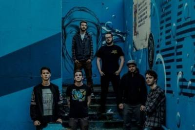 Exluzivní stream EP Suffocate With Your Fame – Item(s)