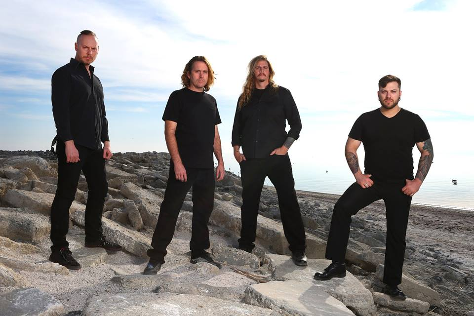 Cattle Decapitation debutovali s titulní písní Manufactured Extinct